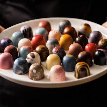 https://toursaroundtasmania.com.au/wp-content/uploads/2021/05/Federation-Chocolates-350x350.jpg
